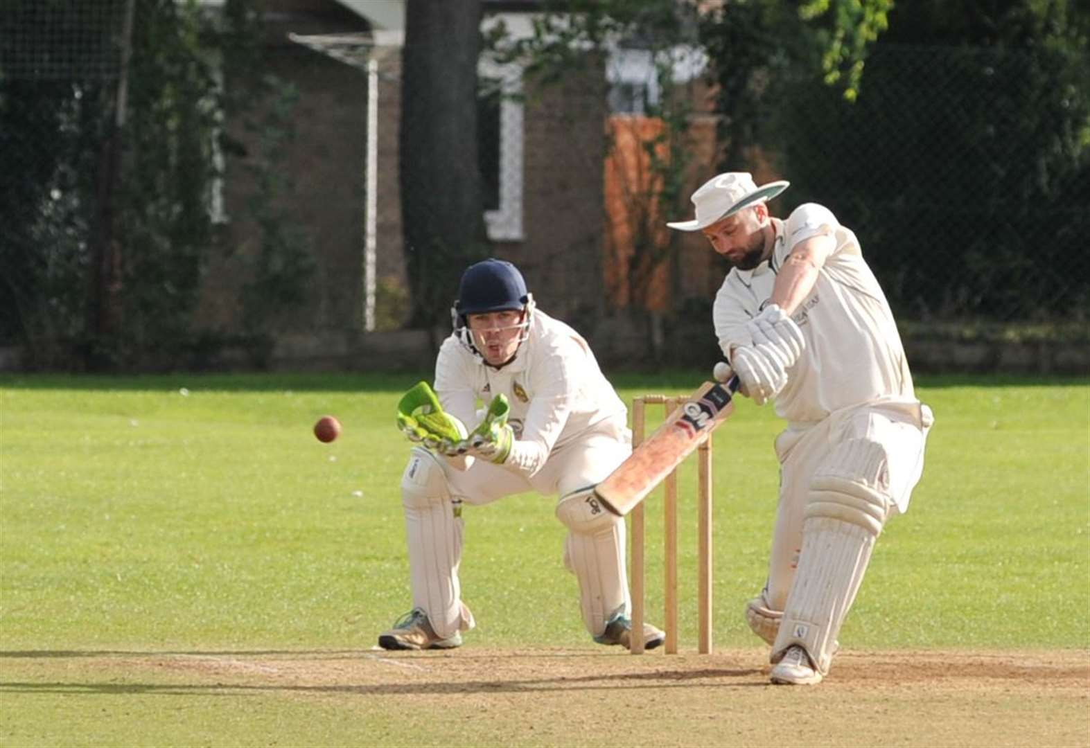 Promoted Oakham move into pole position to be crowned champions