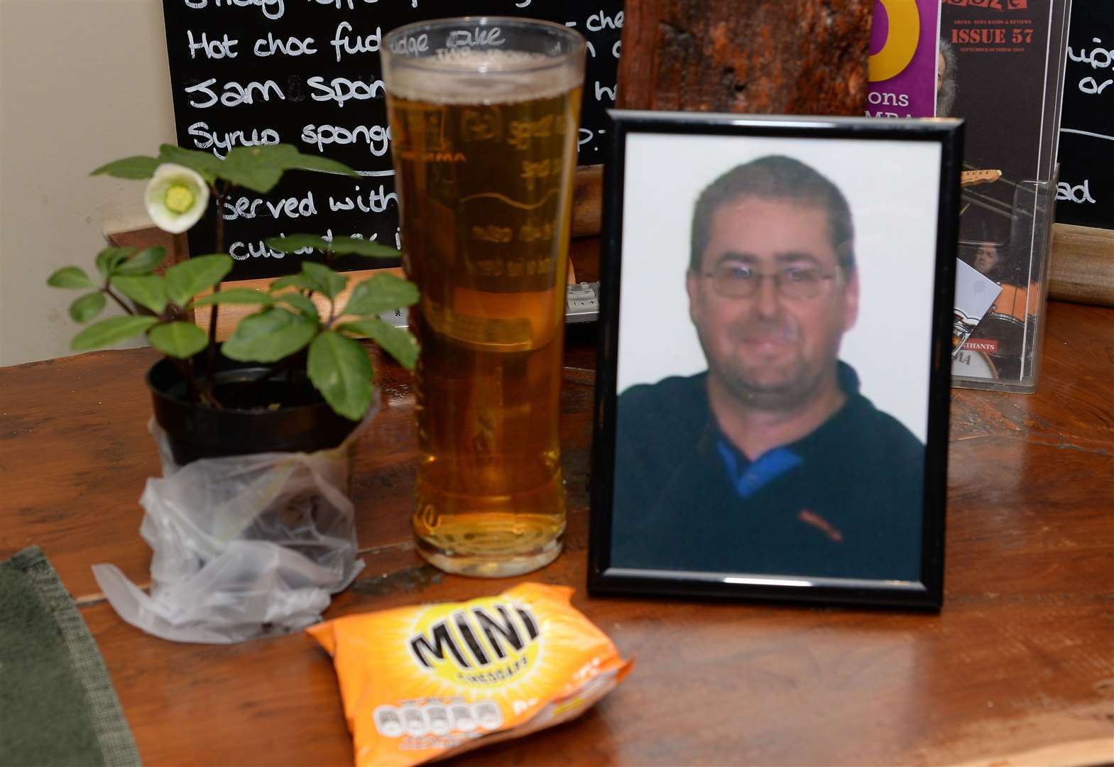 Friends of murder victim Alan Wood remember him with a pint at his local pub on 10th anniversary